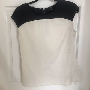 Ann Taylor black and white blouse size 4 P